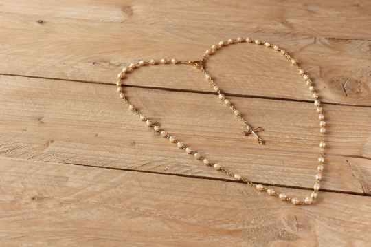 beads cross prayer rosary